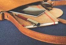 menulis agenda harian pribadi